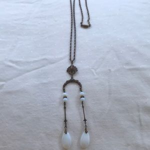 Stunning vintage or women on an extra long chain